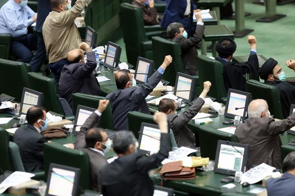 در بندر امامخمینی(ره) چه میگذرد؟/ مهر تأیید بر موافقتنامههای غیرشفاف بینالمللی!