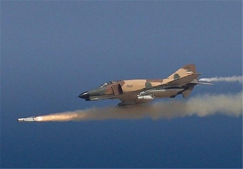 انهدام اهداف زمینی توسط جنگندههای فانتوم با استفاده از بمبهای قاصد