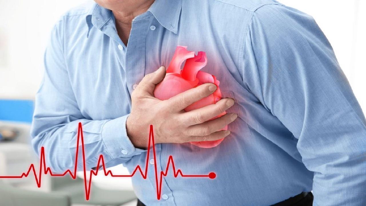 12866092 478 - علائم وقوع سکته قلبی مرگبار؛ از دندان درد تا تعریق و استفراغ