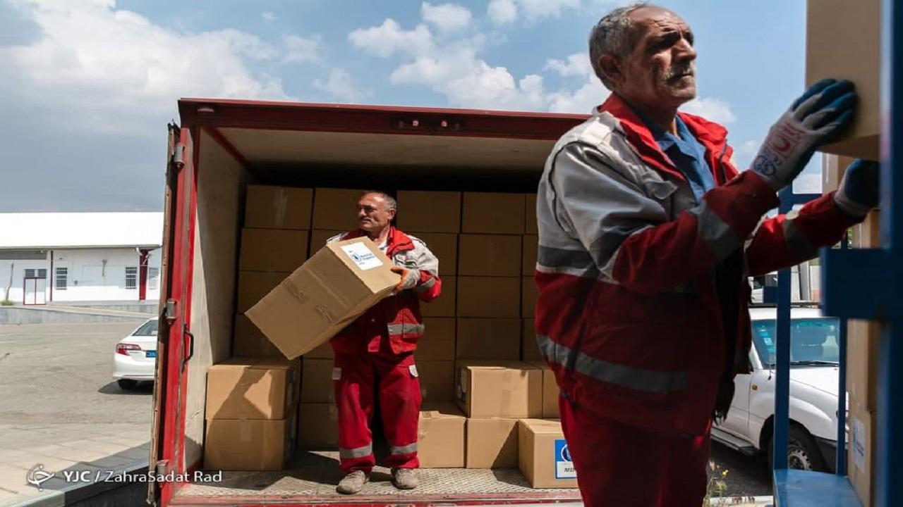 پرچمداران امدادرسان که خود نیازمند امدادِ مسئولان هستند/ سخنگوی هلال احمر: استخدام نجاتگران زمان بَر است، ما سر قولمان هستیم