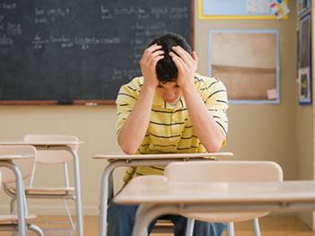 چگونگی رفتار با دانش آموزانی که عاشق معلمشان شدند
