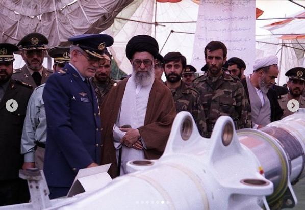 حضور فرمانده معظم کل قوا در تاسیس دانشگاه هوایی شهید ستاری + عکس
