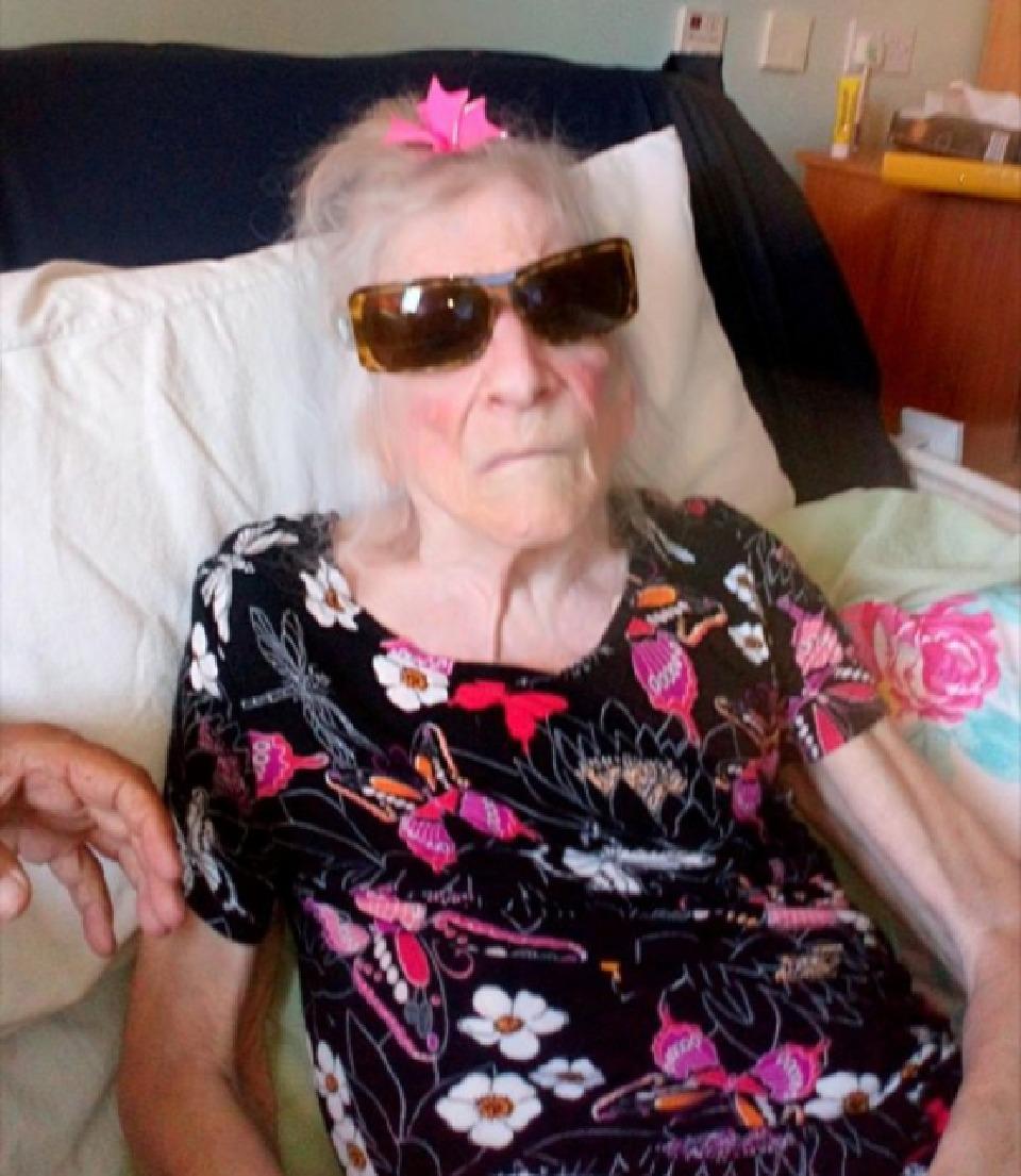 زن مسن