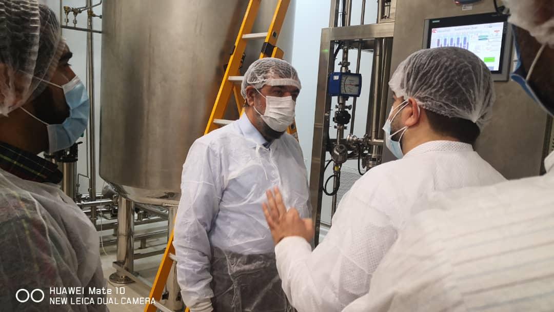 بازدید دبیر مجمع تشخیص مصلحت نظام از دو شرکت فعال در صنعت بیوتکنولوژی و داروسازی