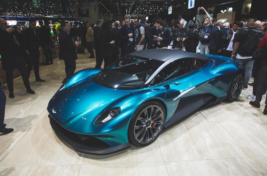 اتومبیل Aston Martin Vanquish؛ الماسی در اقیانوس دنیای خودروها