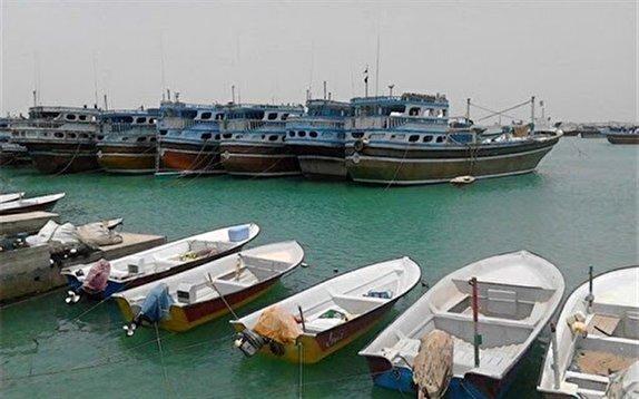صیادان بوشهری مجبورند بنزین را در خانه نگهداری کنند/ کی کارت سوخت به قایقها داده میشود