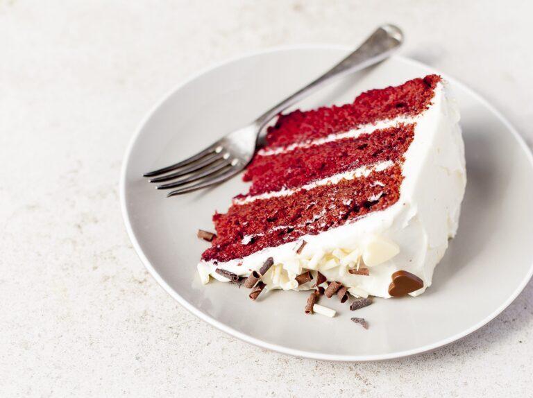 طرز تهیه کیک لبو خوشرنگ با پف زیاد با استفاده از فر و بدون فر