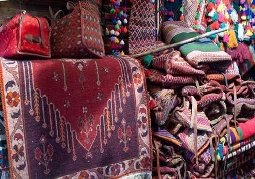 محصولات صنایع دستی در فرش بافی