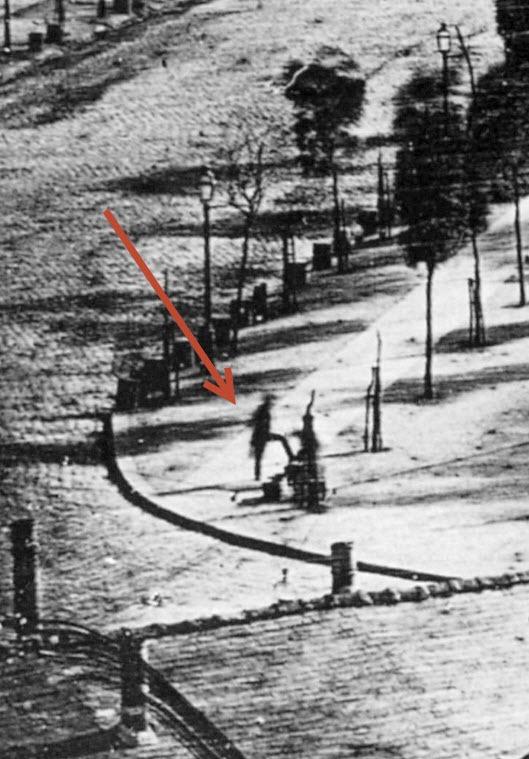 نخستین انسانهایی که عکسشان در تاریخ گرفته شده / یک واکسی و مشتری او! آشنایی با لوئی داگر