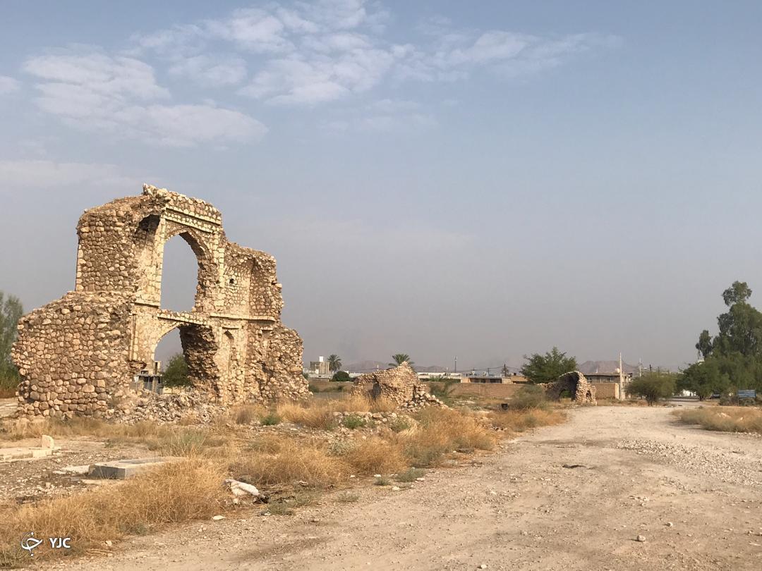 وجود جاده خاکی سبب ضربه زدن به بنیان آثار باستانی