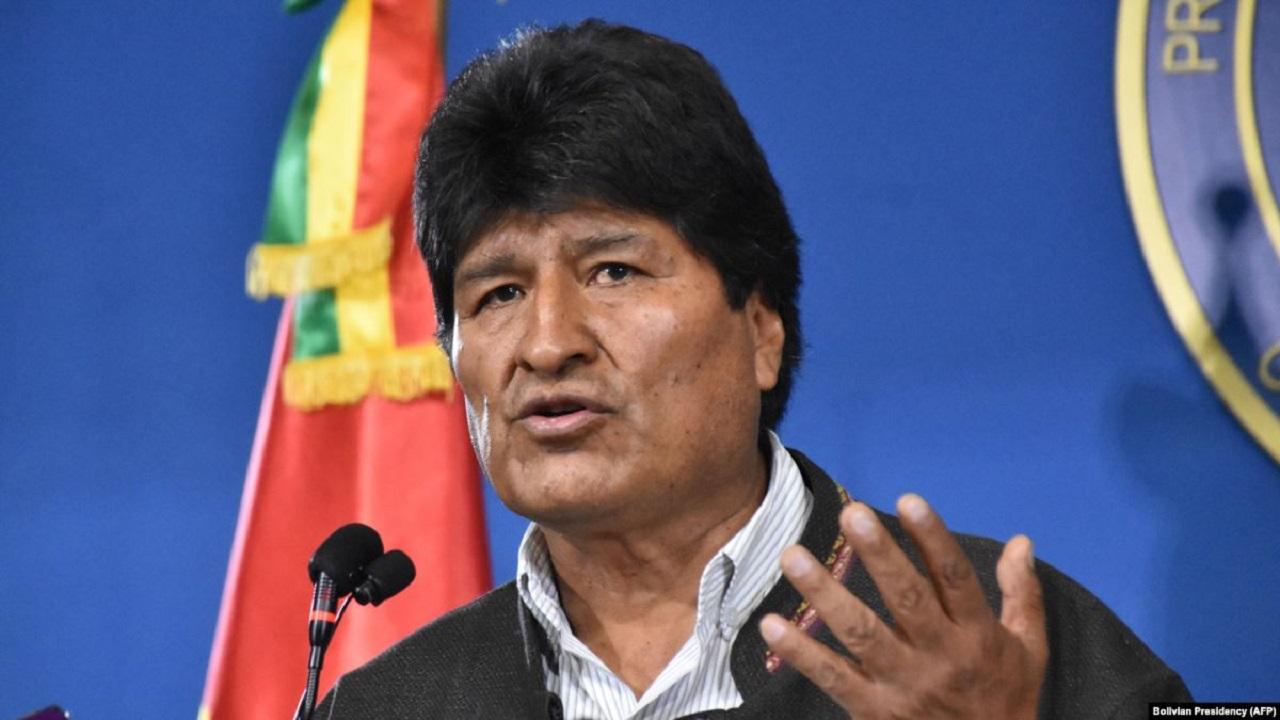 مورالس آرژانتین را به مقصد ونزوئلا ترک کرد