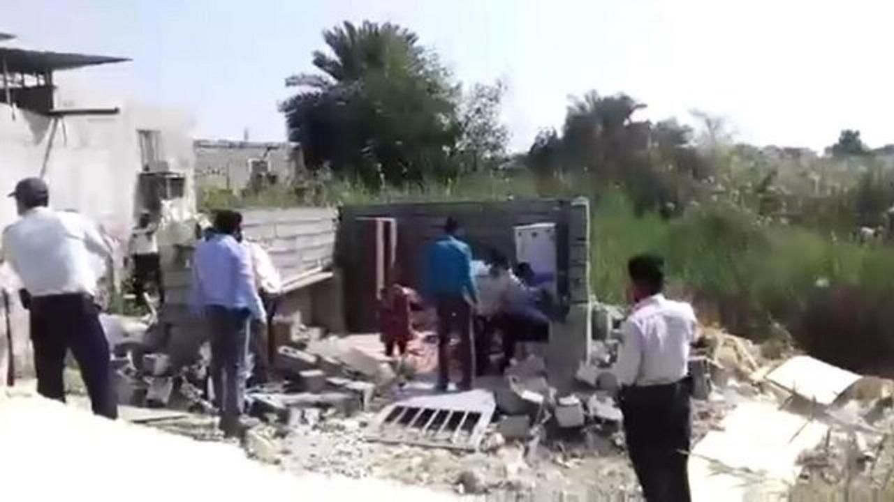 12960920 822 » مجله اینترنتی کوشا » لزوم پاسخ وزیر کشور به اتفاق تخریب خانه یک زن در بندرعباس 1