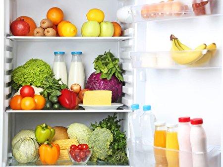 ۷ راهکار ساده برای تازه نگهداشتن غذاهای داخل یخچال در مدت قطعی برق