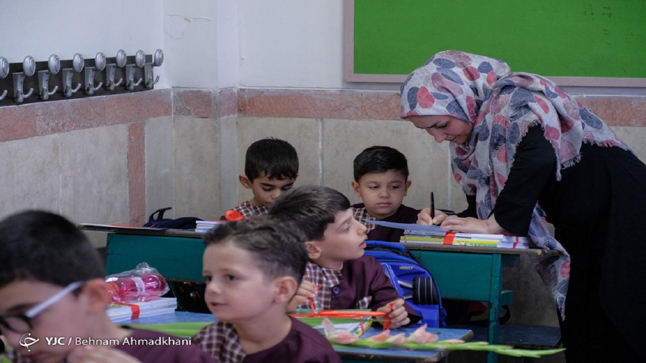 معادله چندمجهولی تربیت معلم با کیفیت در عیالوارترین وزارتخانه کشور