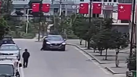 اتفاقی عجیب حین تصادف خودرو با مادر و فرزند