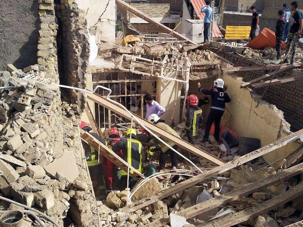 ریزش ساختمان مسکونی در مشهد