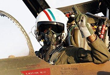 باشگاه خبرنگاران - منافقین کدام خلبان ایرانی را خفه کردند و به شهادت رساندند؟