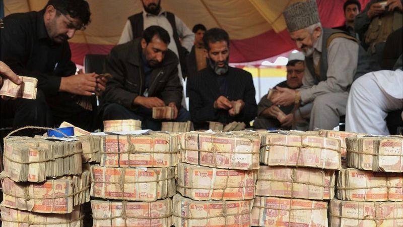 چرا دلار لب مرز ارزانتر از تهران است؟