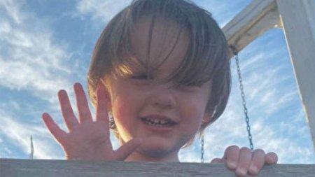 کودک سه ساله ای که قربانی گلوله اسلحه پدرش شد