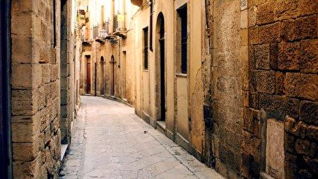 فروش خانههایی در ایتالیا به قیمت یک همبرگر!+ تصاویر