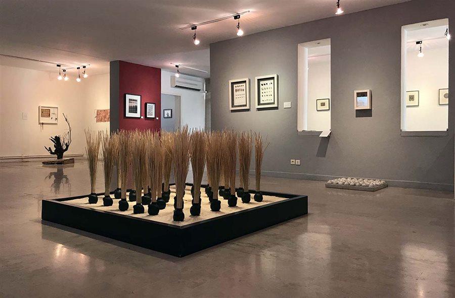 «باغ سید مصطفی» در گالری دلگشا قابل دیدن است/ روایت یک نقاش از خاطره شنای دسته جمعی در اقیانوس