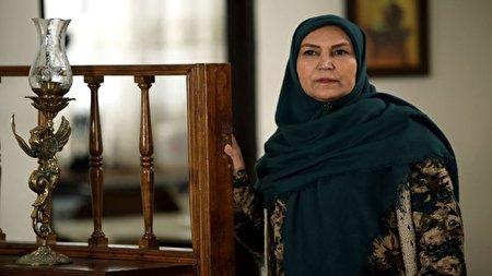 انتقاد مهوش صبرکن از بیان عجیب برخی بازیگران در لهجه شیرازی