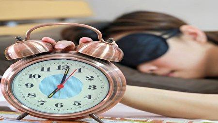 روشی برای بیدار شدن در ساعت دلخواه بدون زنگ هشدار