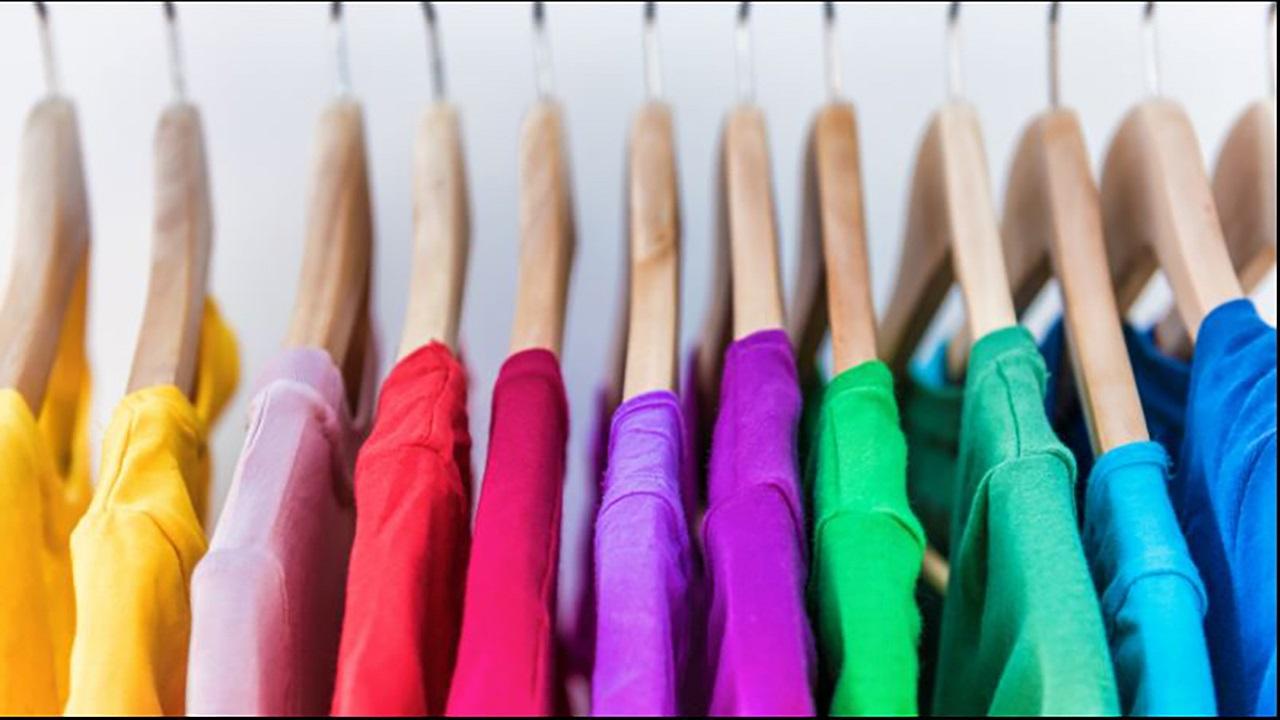 چگونه لباسهای خود را در فضای کوچک کمد جا دهیم؟