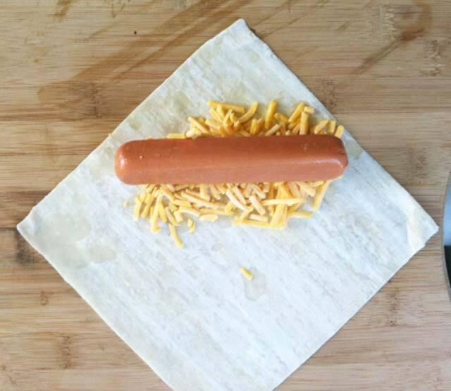 طرز تهیه اسنک هات داگ و پنیر؛ خوشمزه و پر طرفدار