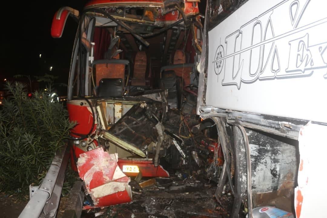 تصادف چند دستگاه خودرو در مسیر شمال به جنوب بلوار تندگویان/ مصدومیت ۱۷ نفر در حادثه