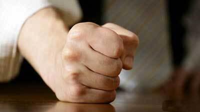 لایحه صیانت از بانوان روی میز دولت خاک میخورد/ هر آنچه بانوان رادر مضیقه قرار دهد خشونت علیه آنان است