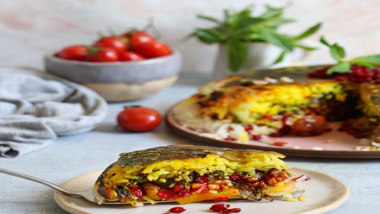 آموزش آشپزی؛ از توپک سوسیس با پنیر چدار و گراتن کدو و کوکتل پنیری پارمسان تا دسر دلی بیتس با خامه قنادی + تصاویر