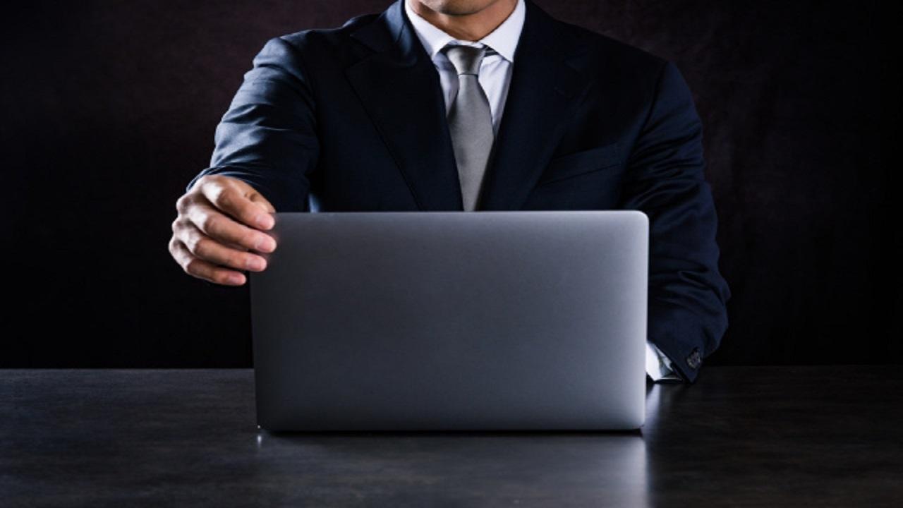 هکری امکان دسترسی به اطلاعات ایمیل مدیران شرکتها را به فروش میرساند