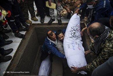 تشییع و خاکسپاری دو شهید گمنام دفاع مقدس - اهواز
