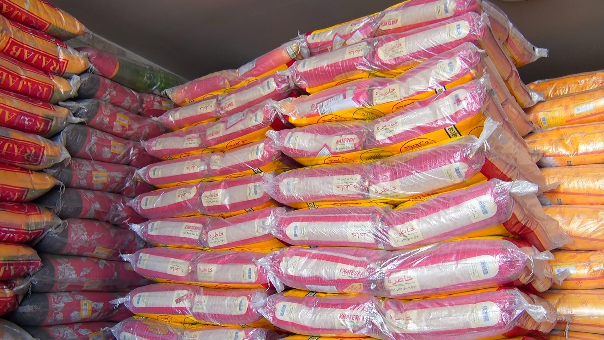 کشف بیش از ۲۴ تن برنج خارجی قاچاق در تویسرکان