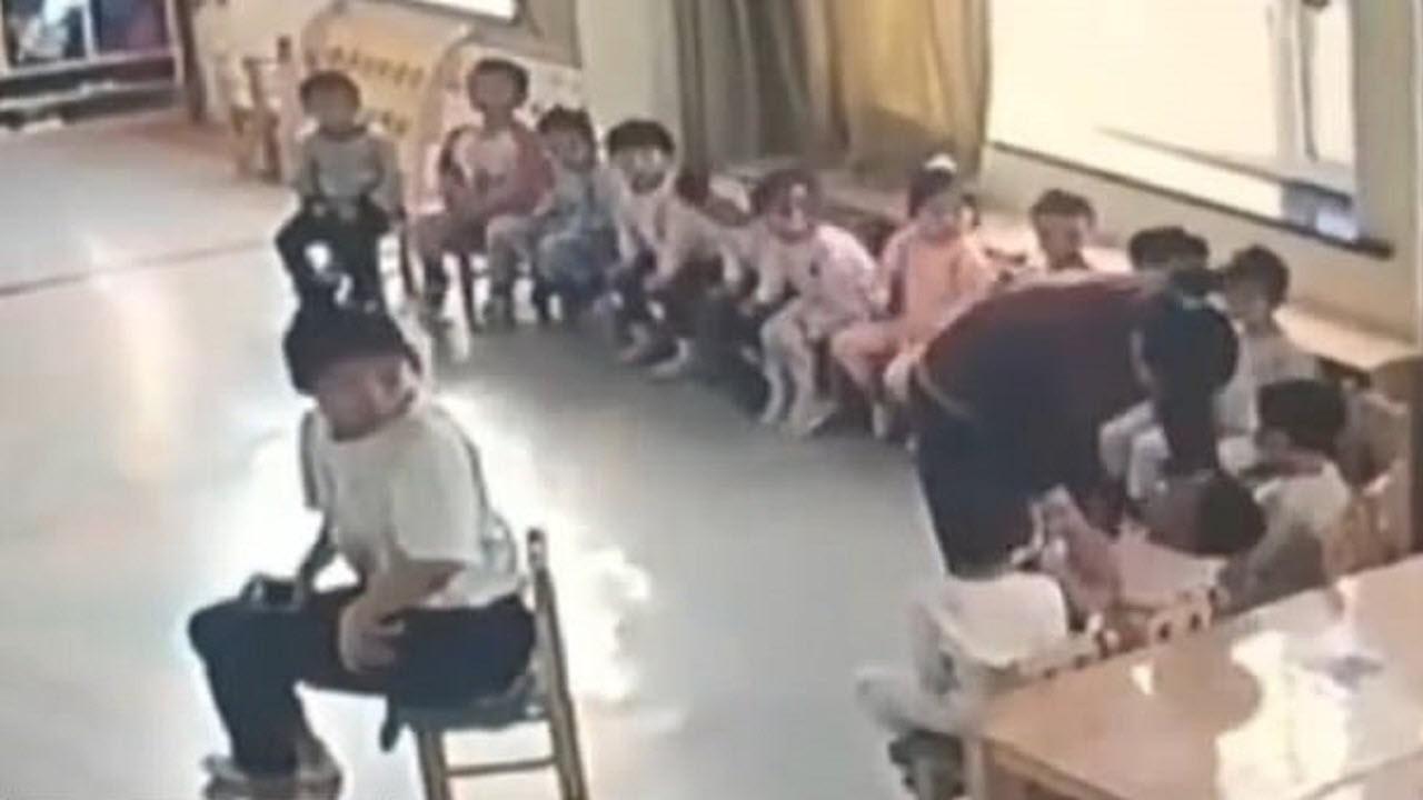 رفتار خشن مربی مهدکودک