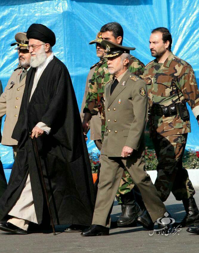 محافظانی که تا پای جانشان برای نظام ایستادند؛ از سرتیم حفاظتی مقام معظم رهبری تا تازه دامادی که همراه سردار سلیمانی شهید شد