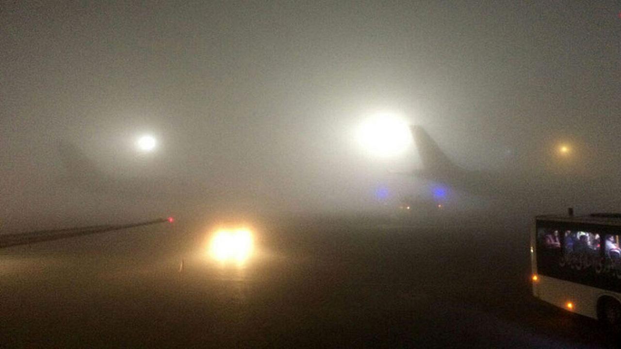 دید افقی در فرودگاه امام خمینی به کمتر از ۱۵۰ متر رسید/ پروازهای خارجی در فرودگاه مهرآباد بر زمین نشستند