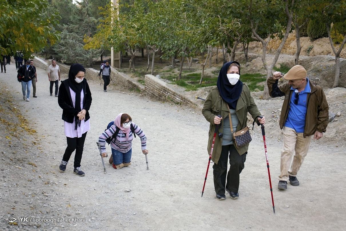 کوهنوردی با چانشی معلولیت؛ وقتی با زانو بند ابداعی به آرزو کودکی اش میرسد