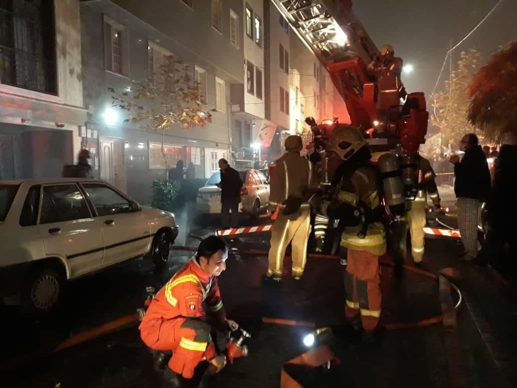 آتش،حادثه،ملكي،سرايت،پاركينگ،نشاني،ساختمان،نردبان