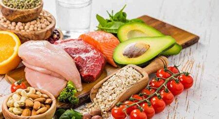 غذاهایی که قبل از خواب مانند سم در بدنتان عمل میکنند