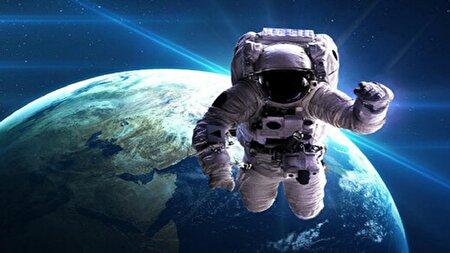 ویدئویی نفسگیر از پرش یک فضانورد به داخل جو زمین