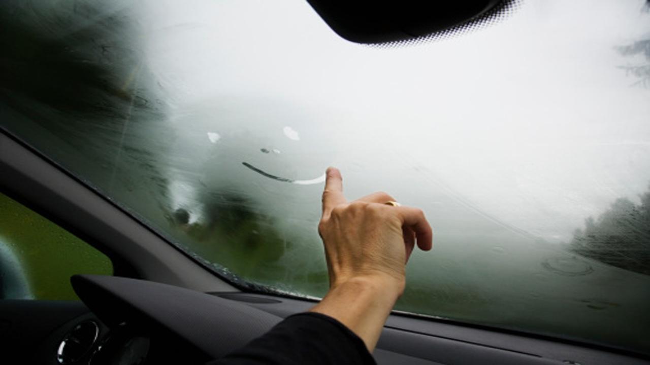 علت بخار گرفتن شیشه خودرو