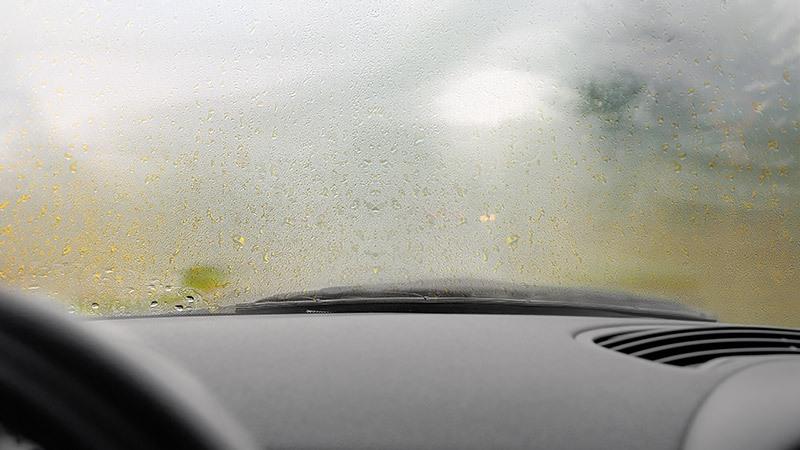 چگونه از بخار گرفتن شیشه ماشین جلوگیری کنیم؟