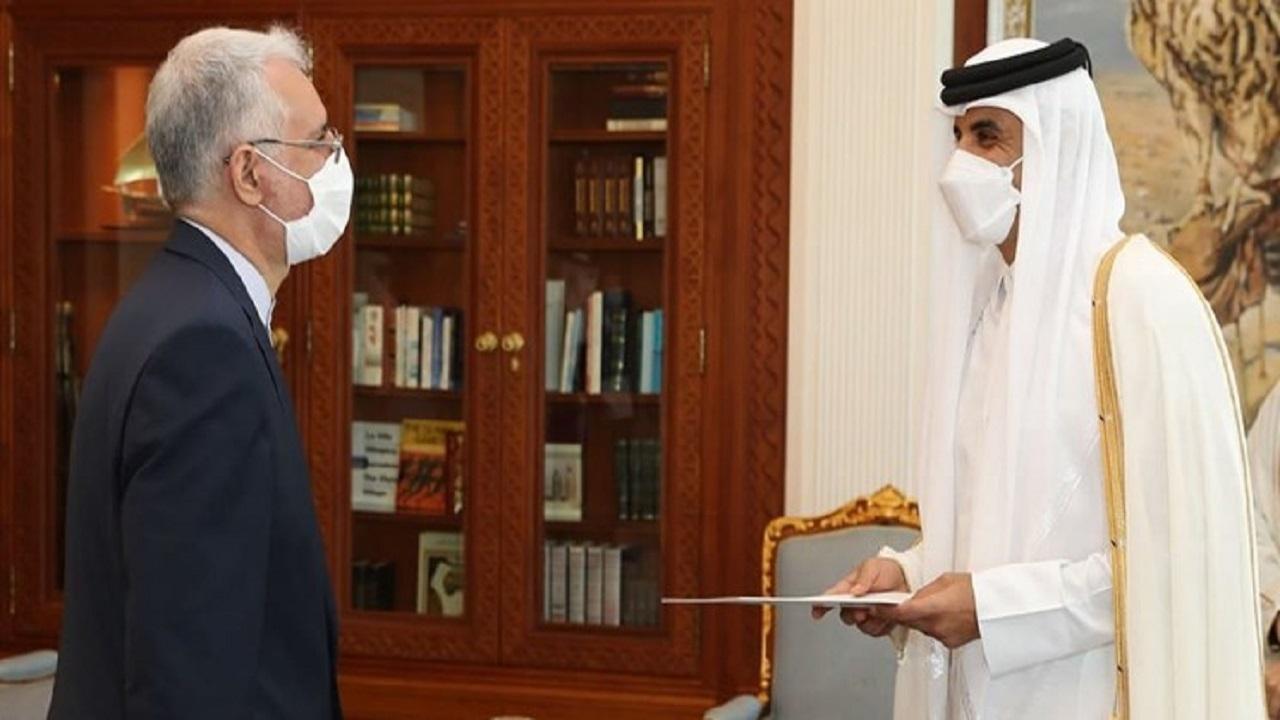 سفیر ایران در قطر استوارنامه خود را تقدیم امیر این کشور کرد