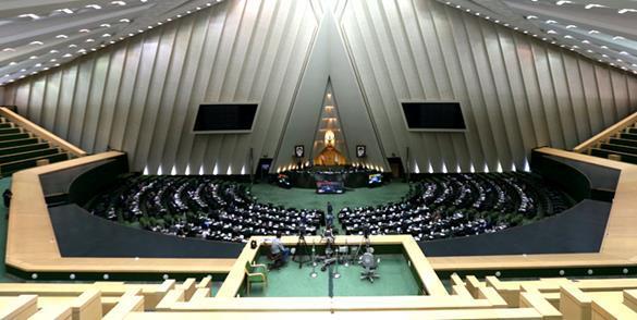 صحن علنی پارلمان ۱۵ دقیقه تنفس یافت