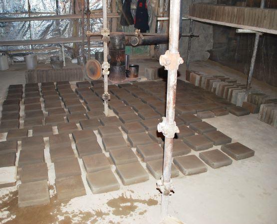 روشن شدن کورههای سنتی پخت آجر و كاشی در گنبد سلطانيه