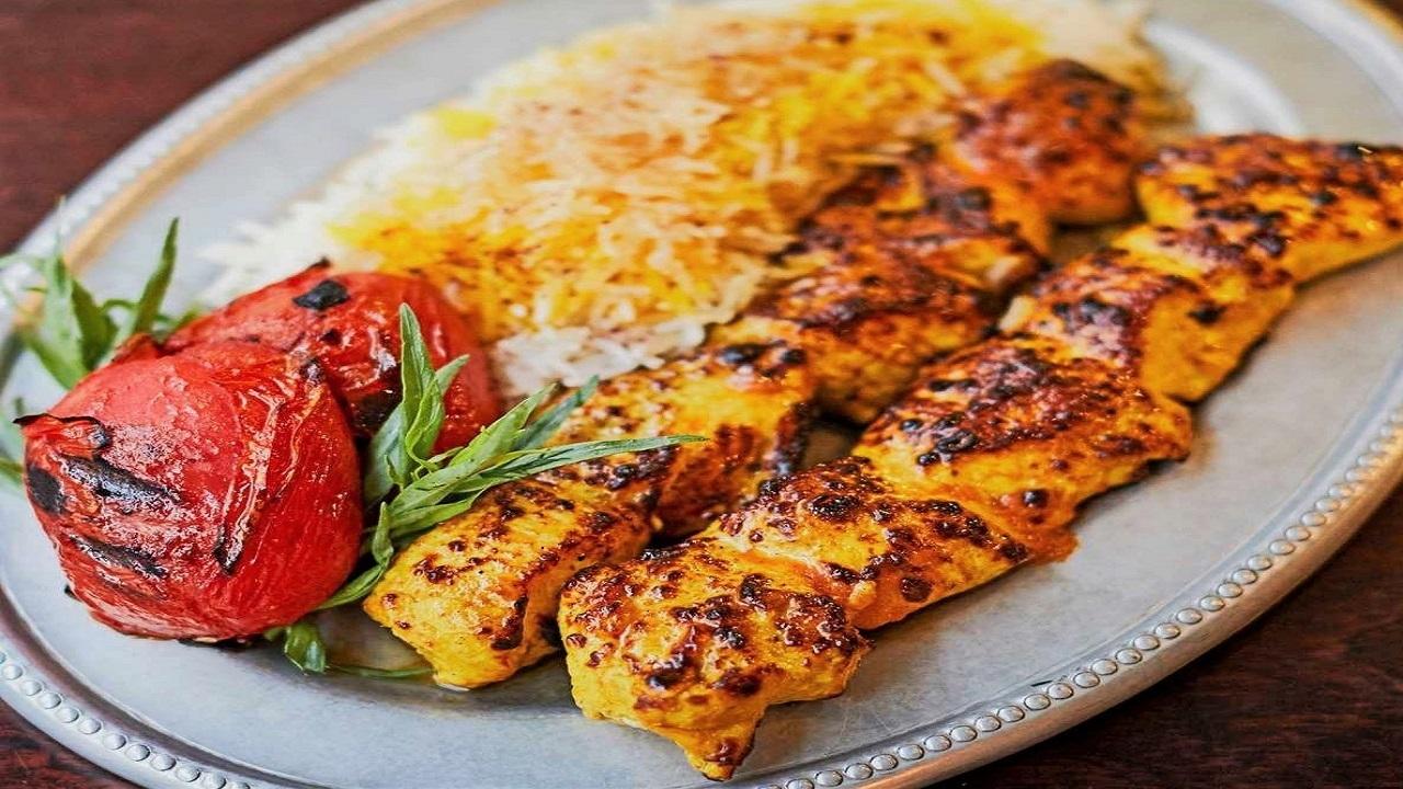 آموزش آشپزی؛ از شاورما لبنانی با سس مخصوص ماست و کوفته ریزه مرغ و گردو تا انار شکلاتی؛ شیرینی خوشمزه شب یلدا + تصاویر