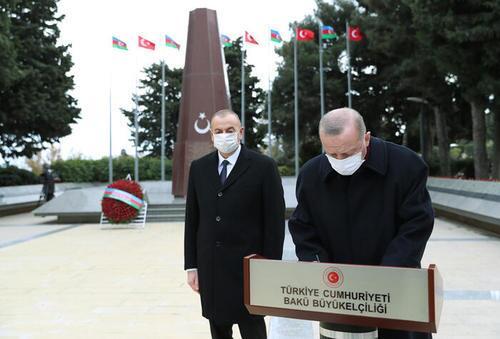 اردوغان به جای شعر کمی تاریخ بخواند!