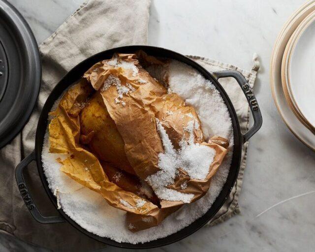 طرز تهیه مرغ نمکی چینی در قابلمه + فوت و فنها